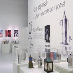 """""""Caffè Espresso. La caffettiera tra architettura e poesia"""". Museo d'Arte Moderna """"Ugo Carà"""", Muggia (Trieste), 2008"""